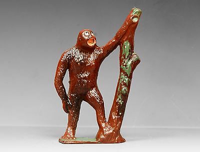 CRESCENT METAL ZOO SERIES ANIMALS - GORILLA with tree trunk - Superb...!!