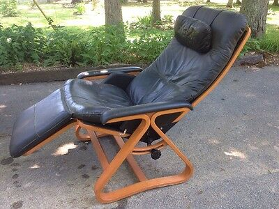 Vintage 60s 70s Mid Century Danish Modern Black Leather Wood Recliner Chair