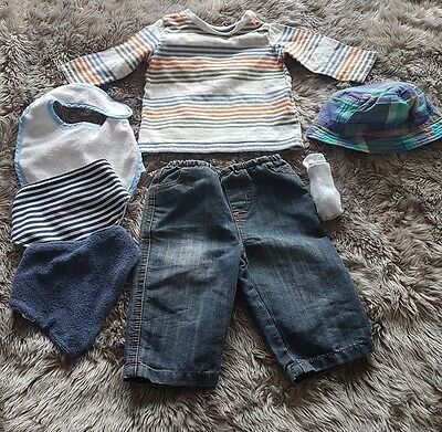 bundle of baby clothes size 0 - 3 months