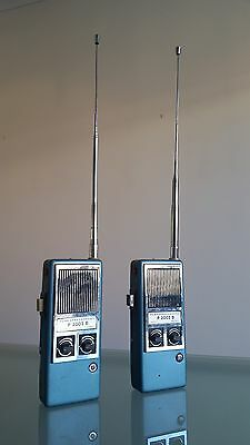 2 FUNKSPECHGERAT. TWO WAY RADIOS. TOTALLY OUTRAGEOUS, 1.5m ARIALS, STEEL CASE.