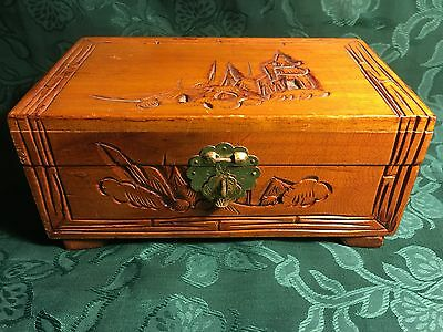 VINTAGE CHINESE CARVED WOOD JEWELLERY BOX c. 1950s/1960s