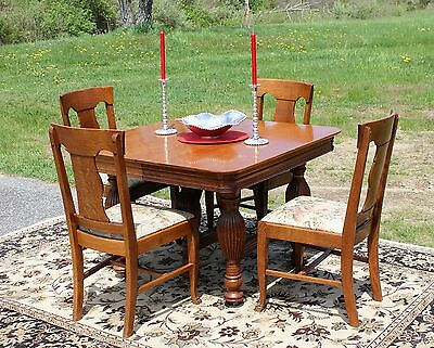Refinished Quartersawn Oak Table 4 Chairs w/ 4 leaves
