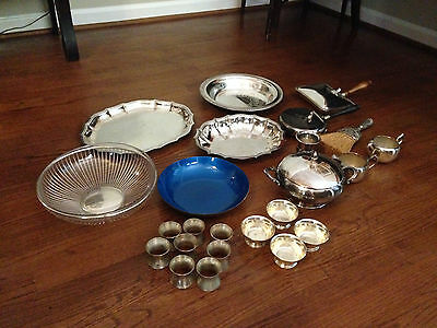 Lot of 24 silverplated items/trays, finger bowls, serving bowls and much more!