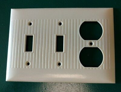 Vintage Sierra Bakelite Ribbed Combo Light Switch Outlet Plate Wall Cover Ivory