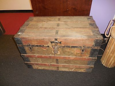 Vintage Distressed STEAMER TRUNK Flat Top Chest Trunk Coffee Table