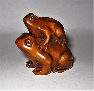 Hand Carved Frogs Boxwood Netsuke Fine Collectable Wood Carving Wooden Frog