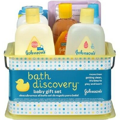JOHNSON'S BATH DISCOVERY Baby Gift Set, 8 Items Baby Bath Time Essentials