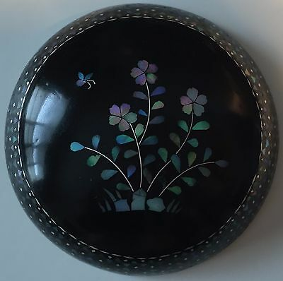 Antique,chinese Mother Of Pearl Small Black Lacquer Round Box And Cover