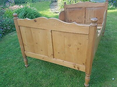 Antique Victorian Attractive Pine Single Sleigh Bed