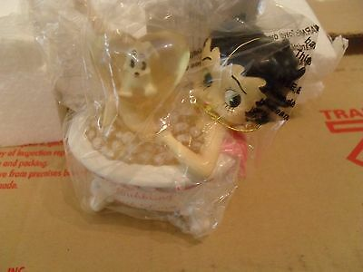 """Betty Boop 4 1/4"""" Tall Mini-Figurine: Bubbling with Love Betty"""
