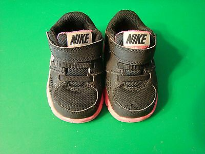 Nike Girls Black and Pink Tennis Shoes Sz 3C