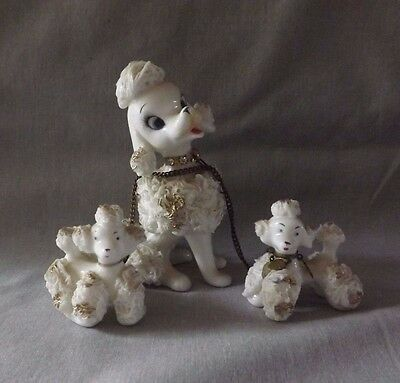 VINTAGE 50'S WHITE SPAGHETTI POODLE DOG with 2 PUPPIES CHAIN LEASH 1G2776