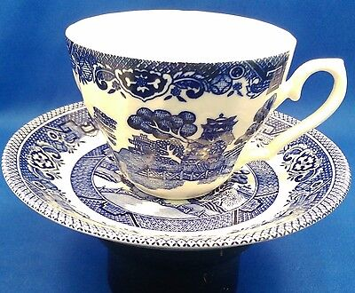 Vintage OLD WILLOW - Alfred Meakin -  Tea Cup & Saucer, 1930s