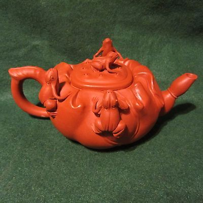 Fine collection Chinese Yixing Clay Frogs Teapot Mint!