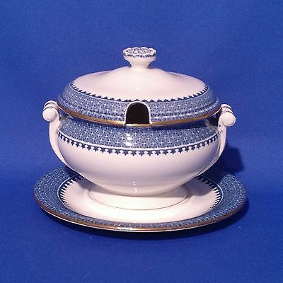 """Vintage 1920s WEDGWOOD LYNN - SAUCE TUREEN with STAND (5.75"""", 14.5cm) VGC"""