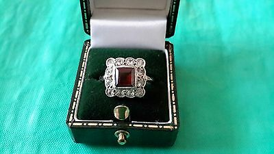 Stunning Vintage Art Deco 9ct Gold & Platinum Garnet Ring  c1940's