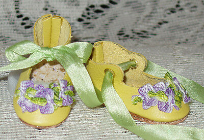 """Rosette"" 27 cm JN Body ~ Leather Doll Shoes ~FANCY Style~Yellow w/ Lavender"