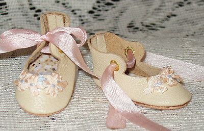 """Rosette"" 27 cm JN Body ~ Leather Doll Shoes ~FANCY Style~Ecru w/ Pink"