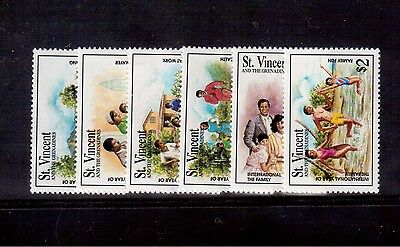 St. Vincent & The Grenadines 1994, #2001/06 Set Mint Vf Nh Year Of The Family !!