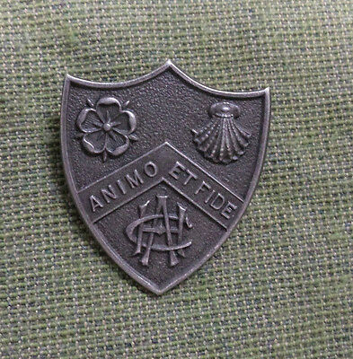 #d293. Avery Hill Teachers College Animo Et Fide Silver College Shield  Badge