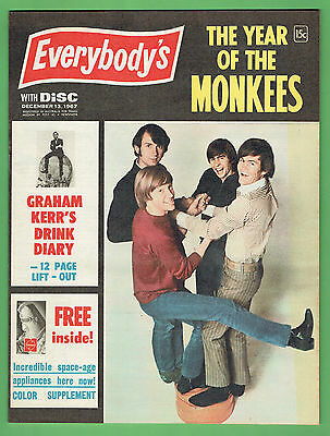 THE  MONKEES ON THE COVER OF EVERYBODYS MAGAZINE - 13th December, 1967