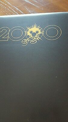 DISNEY STORE MILLENIUM  101 PINS with Binder COUNTDOWN to 2000 Pin Trading Set