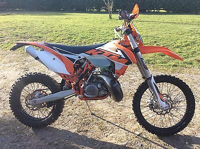 Ktm 200 exc 2016 low hrs