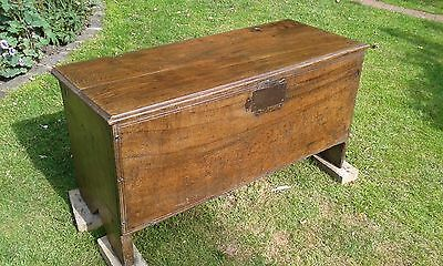 A Lovely Early English Solid 6 Plank Elm Coffer C1700.