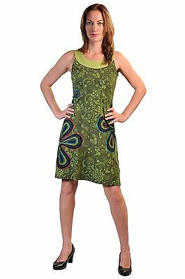 Women's Sleeveless Dress With Floral Pattern And Side Flower Patches