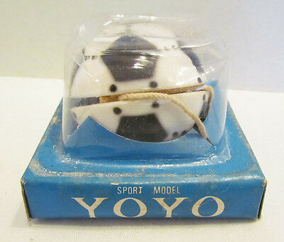 SOCCER BALL SHAPED YO-YO VINTAGE UNUSED MIB MIP 1970's HONG KONG YO YO TOP TOY