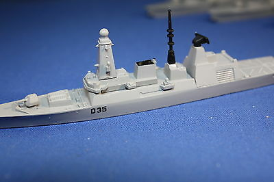 HMS Dragon D 35 Daring class destroyer  carded. 1 to 1200 scale