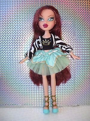 Bratz PRINCESS Collection ROXXI Doll with Original Outfit & Shoes