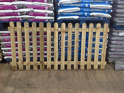 Picket Fence Panels Tanalised Round Top 3ft X 6ft Panel