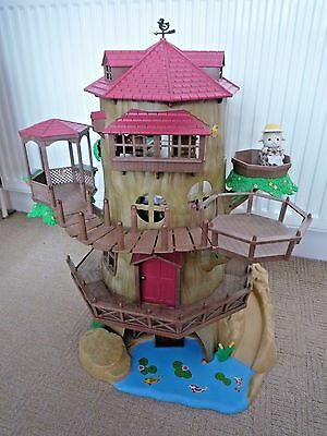 Sylvanian Families Old Oak Tree House 2 Figures, Furniture & Accessories