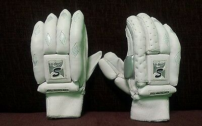 Slog It Batting Gloves Right Hand. Clearance Sale . Price £35