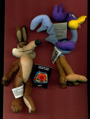 Roadrunner Wiley Coyote mini bean bag Warner Stores collectible new with tags