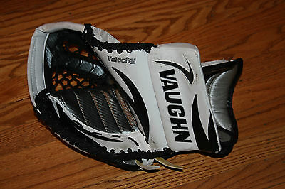 Vaughn Velocity 7207 Full Right Limited Edition Jr. WH/BLACK/SILVER GOALIE GLOVE