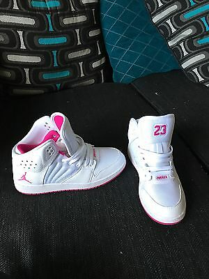 Pink and white gradeschool girl Jordan flights 6Y