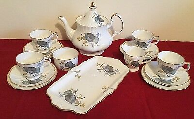 Delicate Bone China Tea Set for 4 Including Cake/Sandwich Plates - 16 Pieces