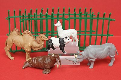 TIMPO VINTAGE SOLID PLASTIC ZOO ANIMALS & CAGE SECTIONS Lot #8