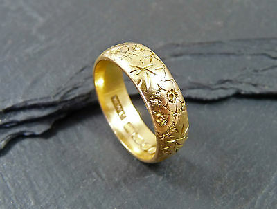 Vintage 22ct Gold  Engraved Wedding Ring / Band - Size M  - 1960s