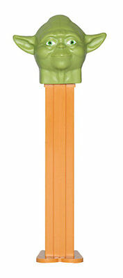 Star Wars - Jedi Master Yoda Bust 2012 Pez Dispenser New on Card with Candy