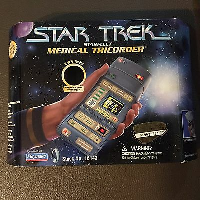 Star Trek Starfleet Medical Tricorder Playmates 1997 no. 16143 MISB GREAT SHAPE