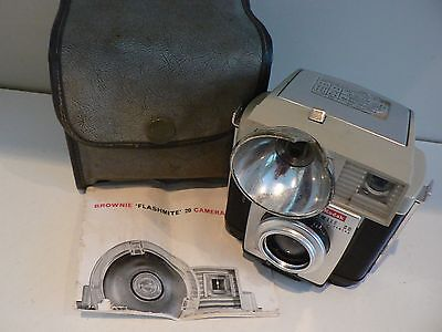 Vintage Collectable KODAK BROWNIE FLASHMITE 20 CAMERA with Case & Owners Manual