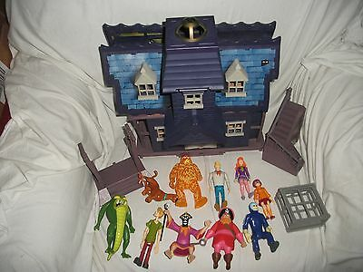 Scooby Doo Mystery Haunted Mansion House Playset Kids Figures