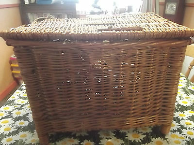 Vintage fishing basket/seat