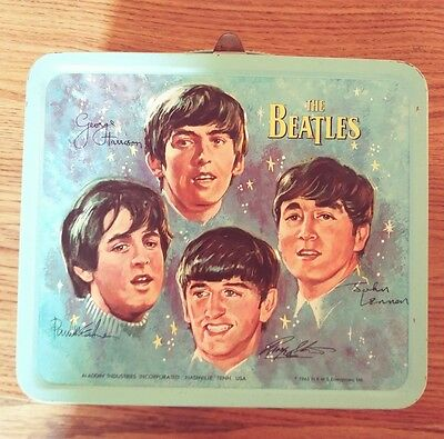 The Beatles LunchBox U.S. 1965 original w/ thermos holder in excellent condition