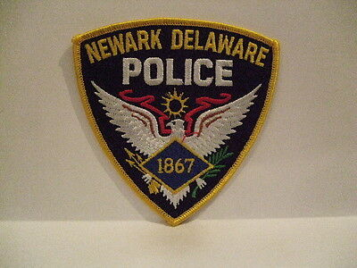 police patch   NEWARK  POLICE DELAWARE