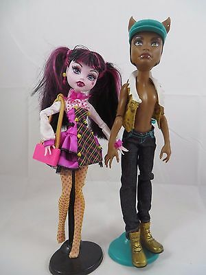 Monster High Draculaura and Clawd Wolf Boy Dolls Forbidden Love First Wave Stand