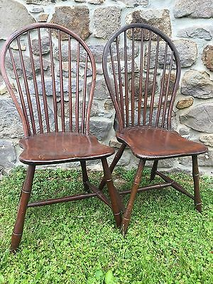 Pair Antique Pennsylvania 9 Spindle Bow-back Windsor Side Chairs 1790-1810